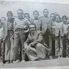 images 0 46554c1e دانش آموزان اونلیق به همراه معلم دلسوز روانشادابولحسن جوادی